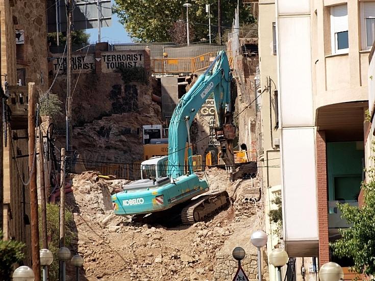 Kobelco SK 330H tracked excavator