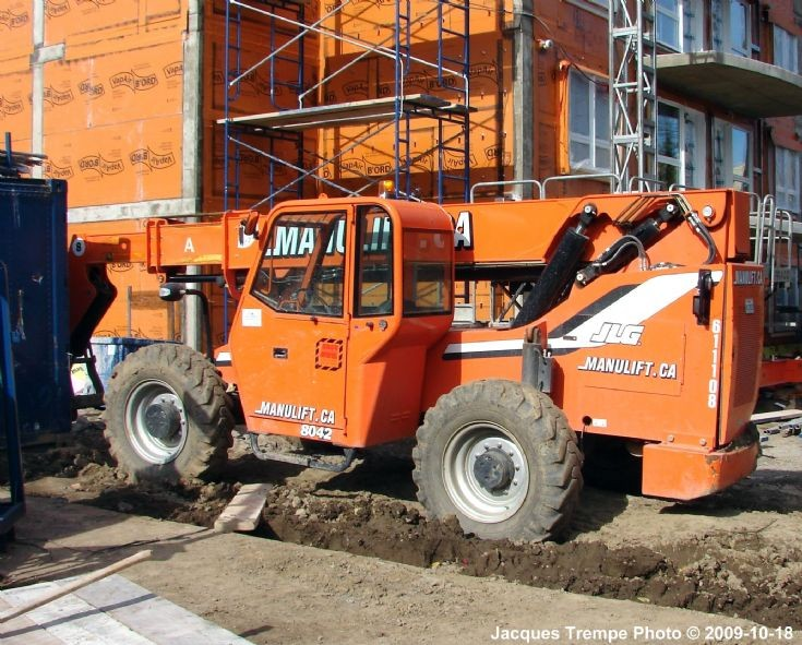 Manulift from JLG
