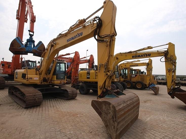 Komatsu PC240LC Excavator