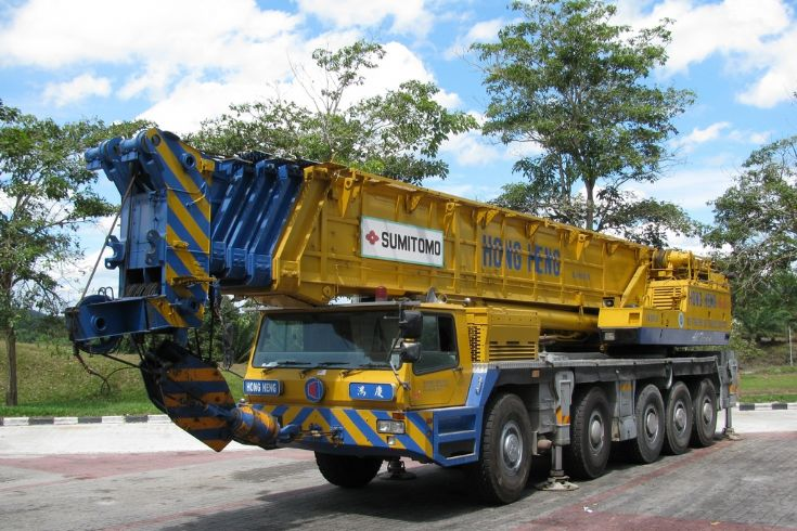 Sumitomo SA200-2 on Mercedes Carrier (Hong Heng)