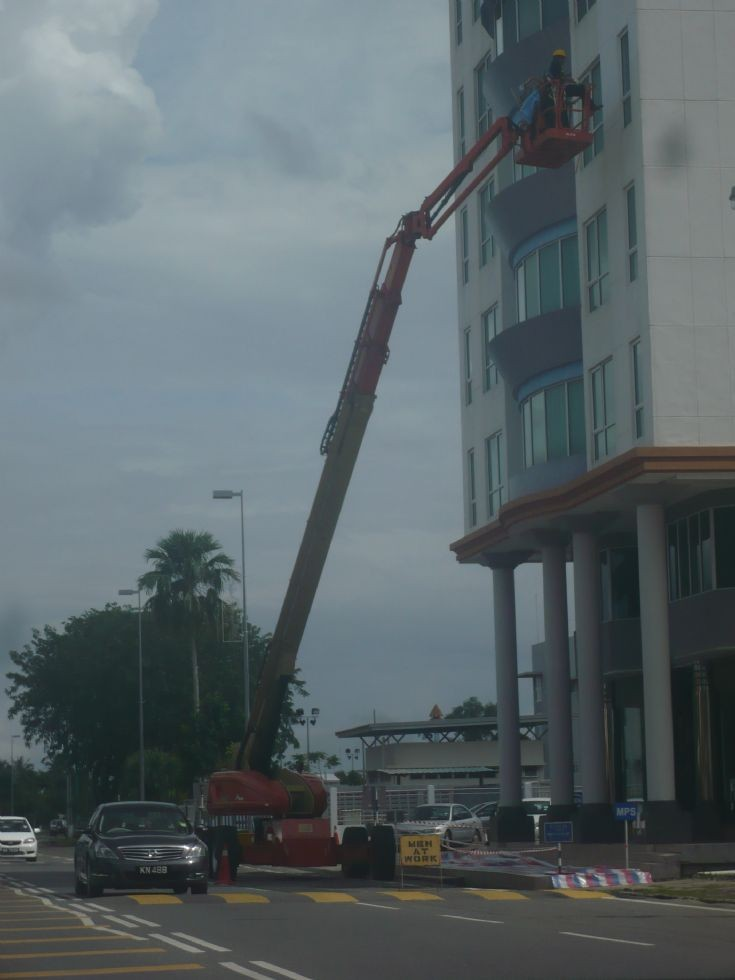 JLG skylift in action