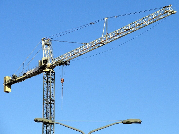 Another static crane