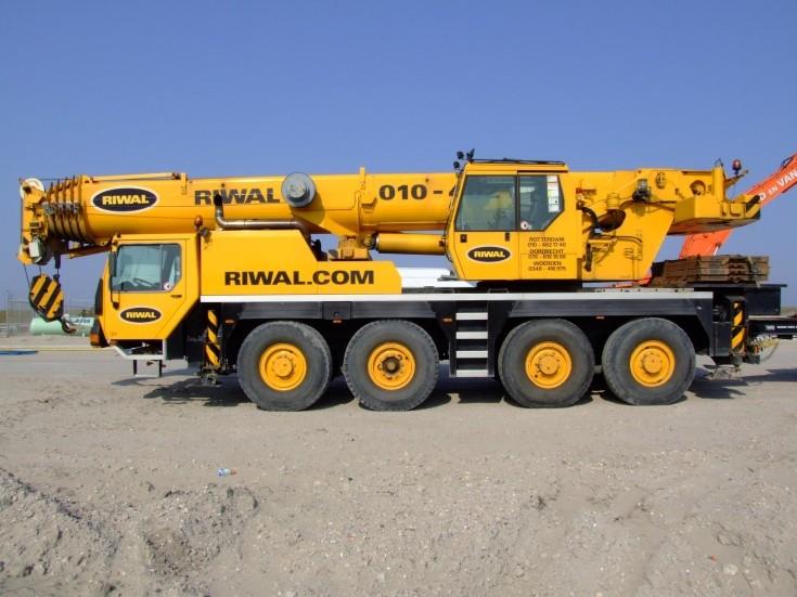 Riwal's Liebherr Crane