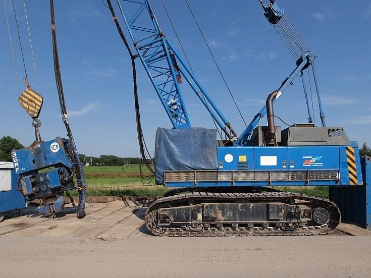 Liebherr 853 crawler crane