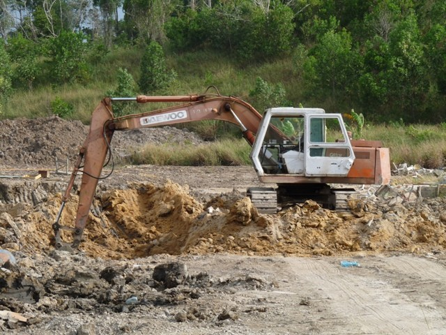 Daewoo medium duty excavator