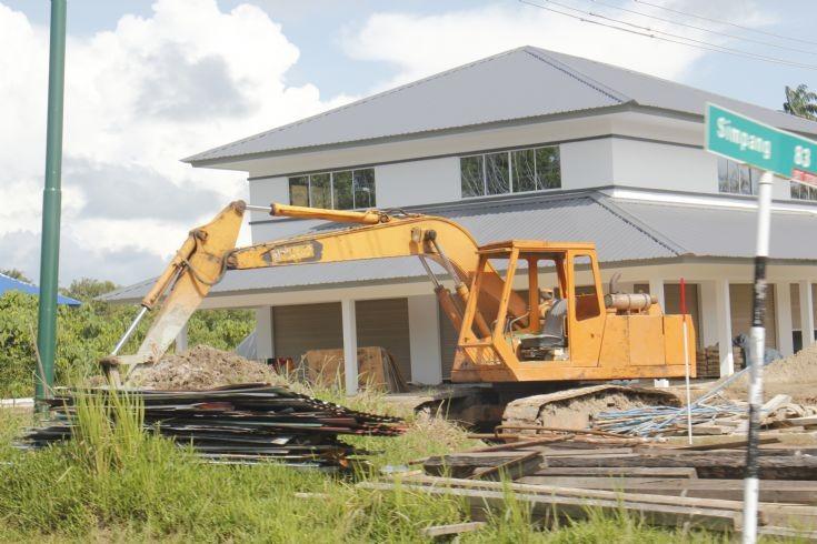 Kobelco medium excavator in Brunei