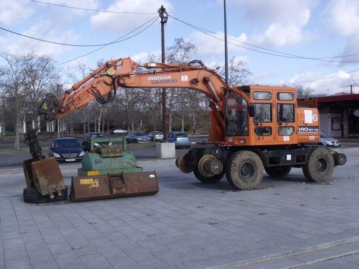 Road & railway excavator.