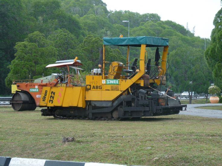IR ABG Titan 322 road paver