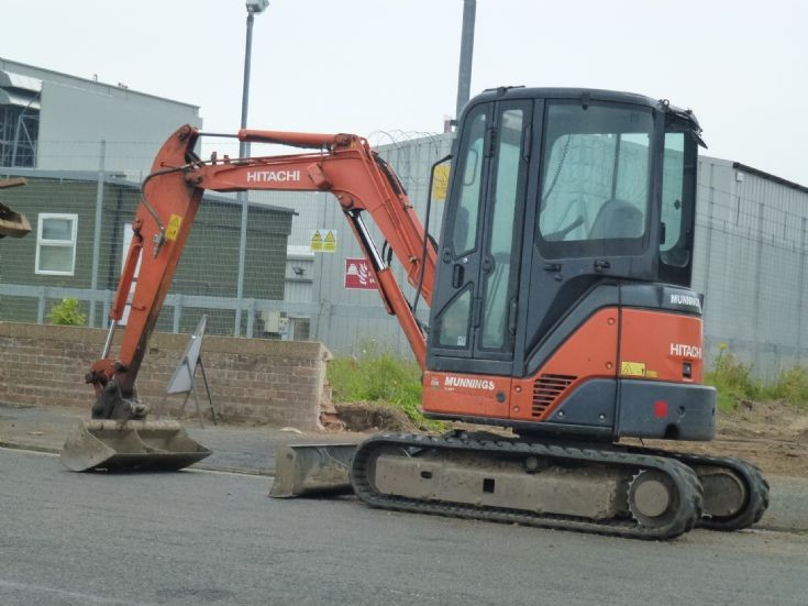 Hitachi mini digger