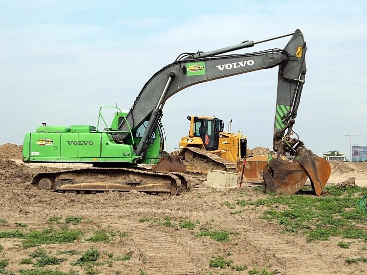 Volvo EC290 tracked excavator