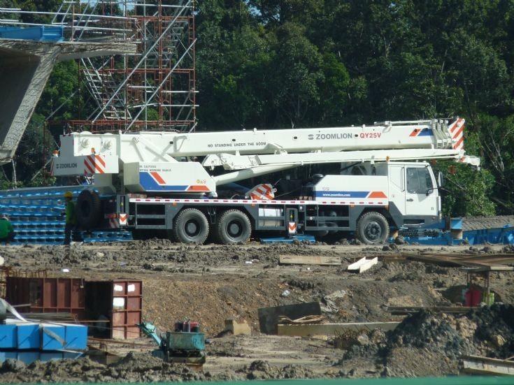 Zoomlion QY25V mobile crane