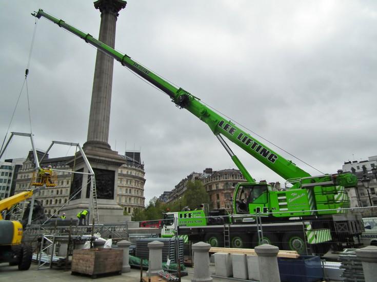 Lee Lifting at Trafalgar Square