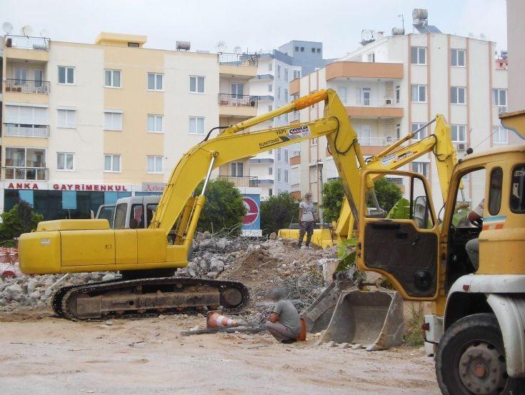 Sumitomo Excavators