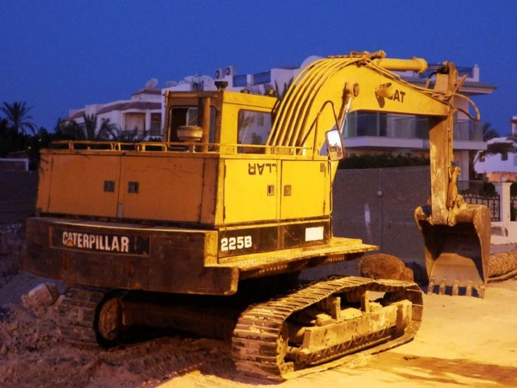 Caterpillar 225B - Egypt
