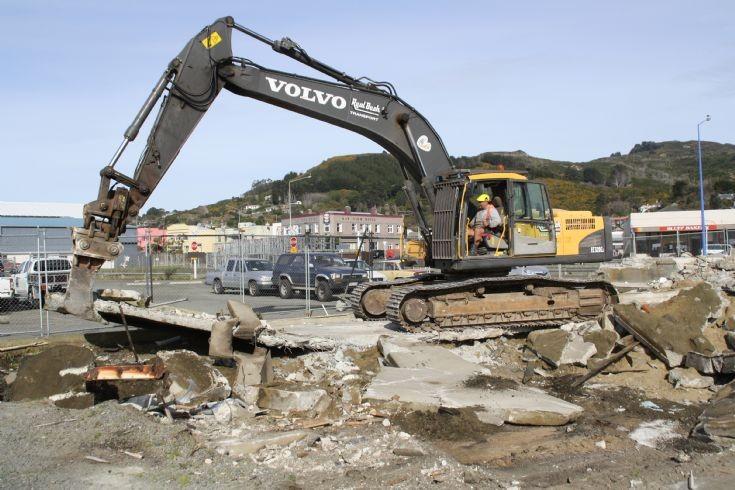 Volvo EC320CL excavator