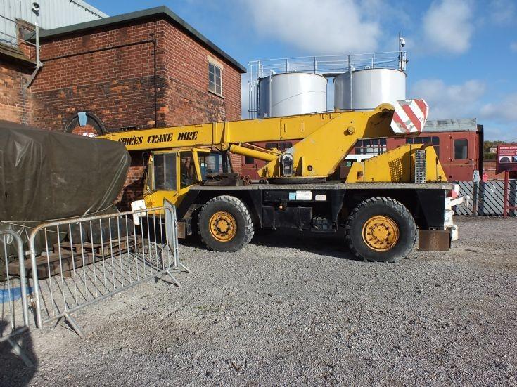 Shire's Coles mobile crane