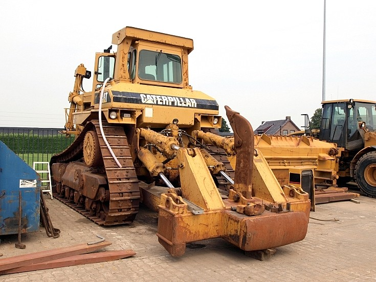 Used Caterpillar Heavy Tractor
