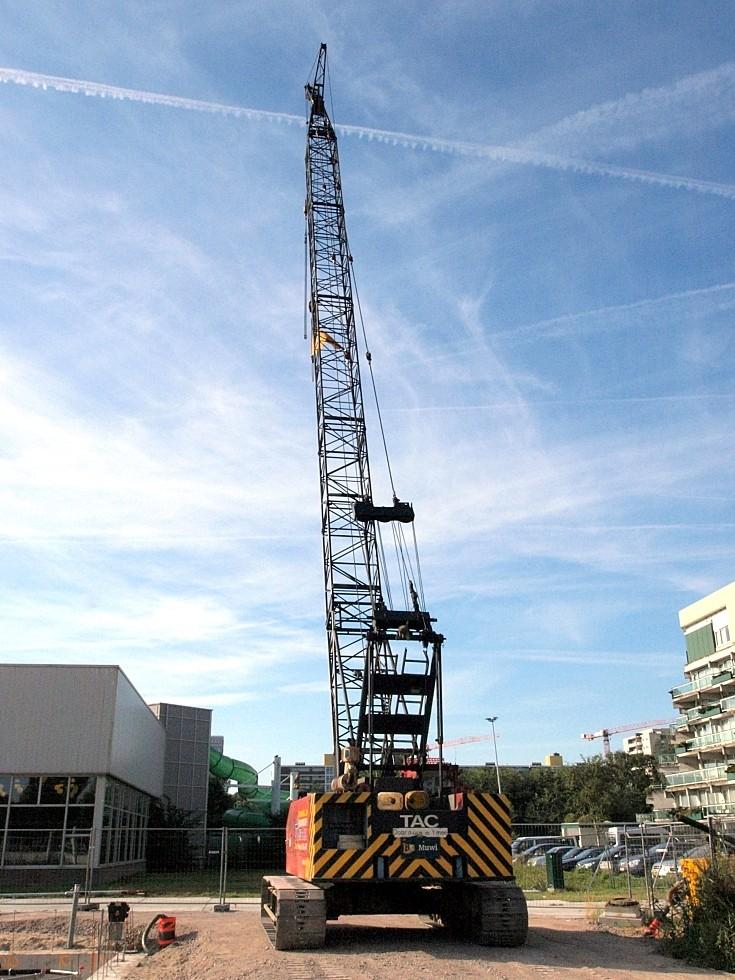 Hitachi KH150-2 Tracked crane in Netherlands